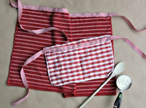 Homemade Mommy and Me Apron DIY Featured