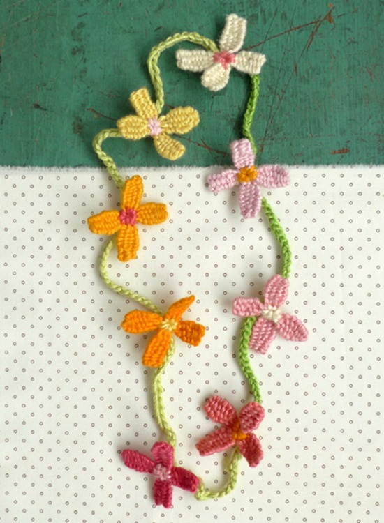 Flower necklace DIY