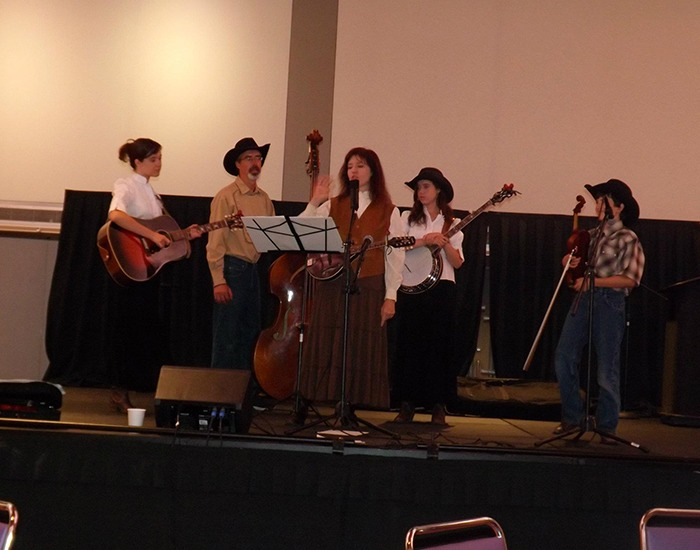 Everyone at LauraPalooza loved the old-time musical entertainment from Amber Waves Band.