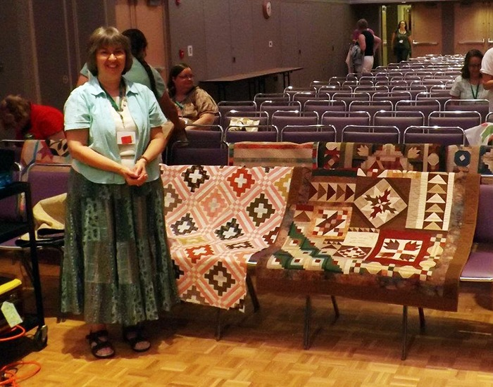 Linda Halpin's quilting presentation at LauraPalooza 2012