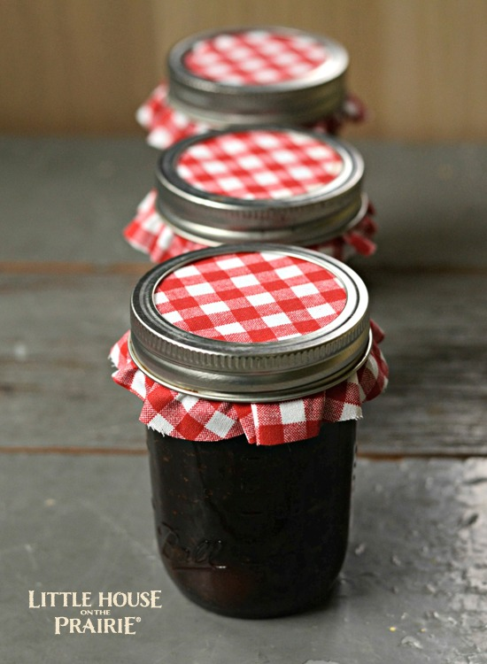 Little House on the Prairie plum preserves jar with cloth tops make amazing DIY gifts!!