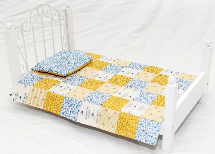 Quilted doll blanket and matching pillow - Great step-by-step directions even I can follow.