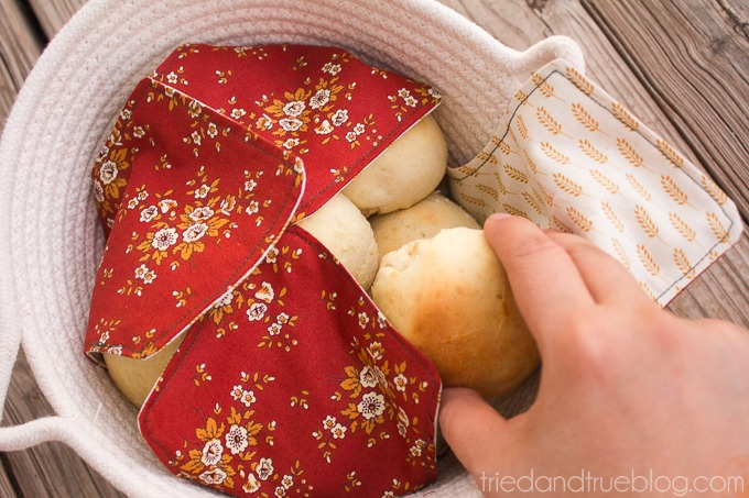 Fabric Napkin Bread Warmer - Wonderful fabric craft for any foodie or baker.