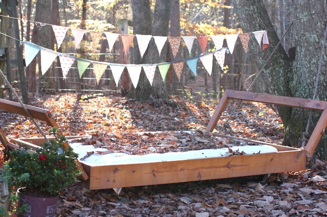 Gorgeous Easy-Sew Fabric Banner - Perfect to dress up an indoor or outdoor entertaining area!