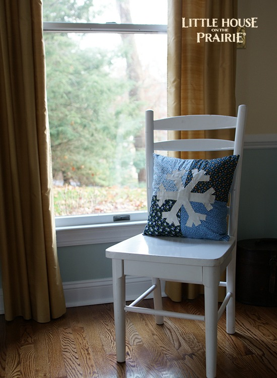 Snowflake Applique Pillow - The perfect winter home decor project that will last you all winter long!