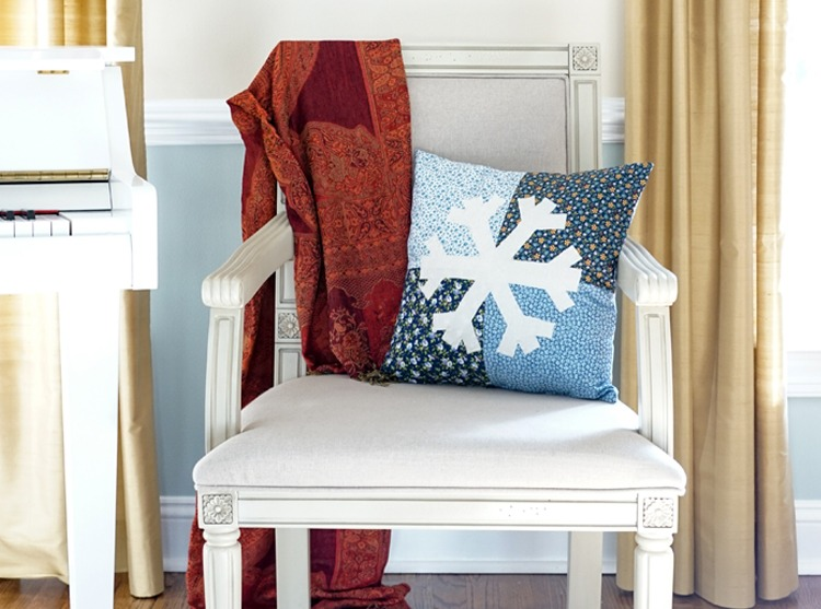 Winter Snowflake Appliqué Pillow How-To