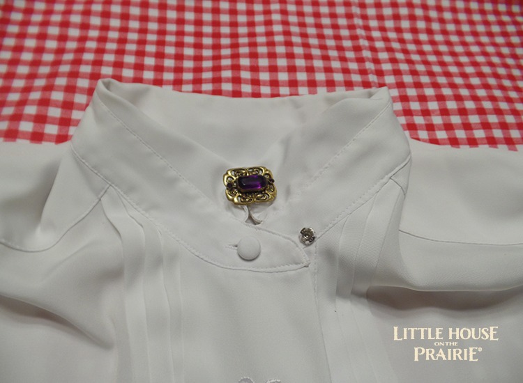 Grown Up Party for Little House on the Prairie - How to alter a collar to look like a pioneer high collar.