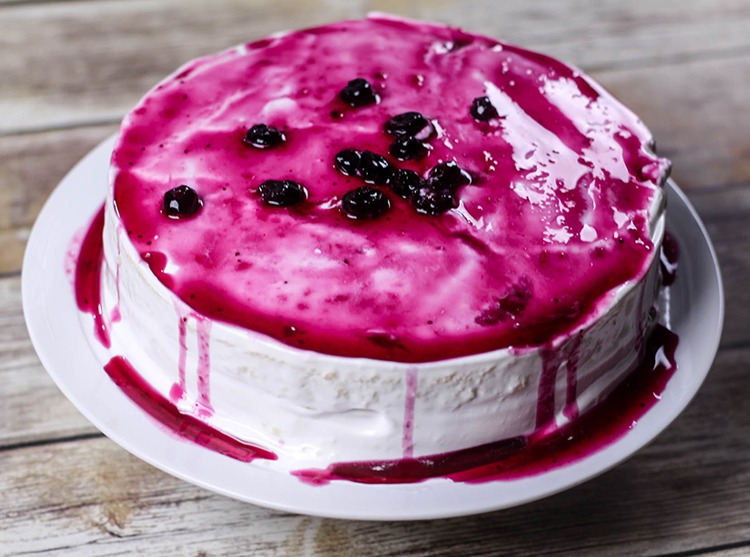 Laura's Wedding Cake Recipe - Traditional and Blueberry Topping Variation