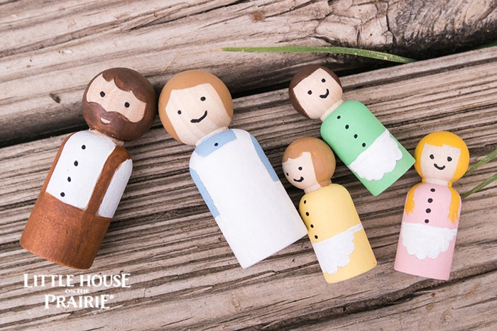 Little House on the Prairie inspired wooden peg dolls - the perfect homemade toys