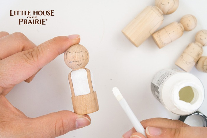 Painting your old-fashioned Little House on the Prairie wooden peg dolls