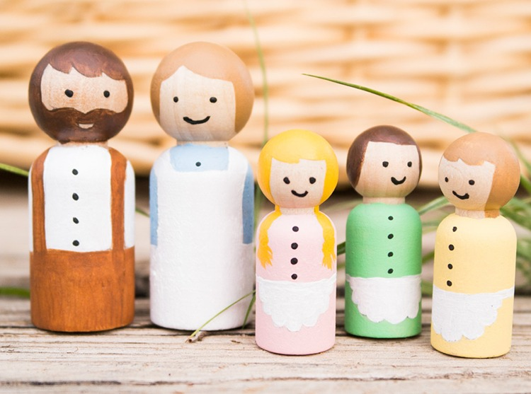 Wooden Peg Dolls DIY Inspired by Little House on the Prairie
